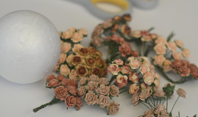 Paper flower table decorations materials