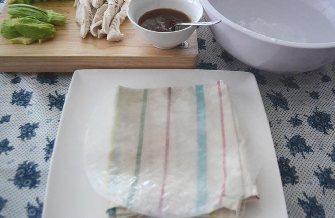 rice paper rolls preparation