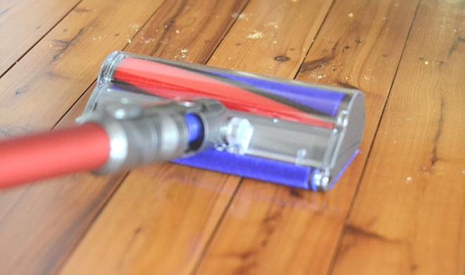 spot-vacuum-cleaning