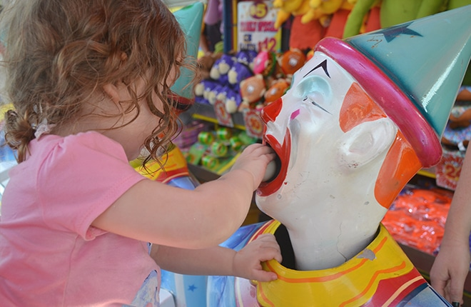 laughing-clowns-easter-show